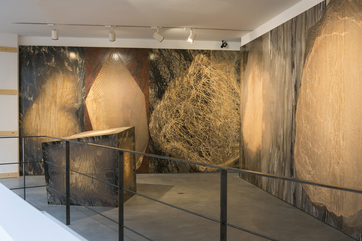 Michael DeLucia, Exhibition view, Galerie Nathalie Obadia, Brussels, 2014, Courtesy the Artist and Galerie Nathalie Obadia. Photo: WE DOCUMENT ART