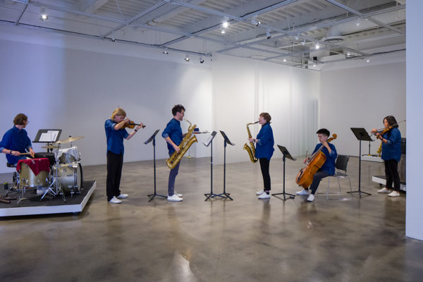 Louis Andriessen, <em>Workers Union</em>, 1975, Kunsthalle for Music, Museum of Contemporary Art Santa Barbara, 2019, Courtesy MCASB, Photo: Alex Blair.
