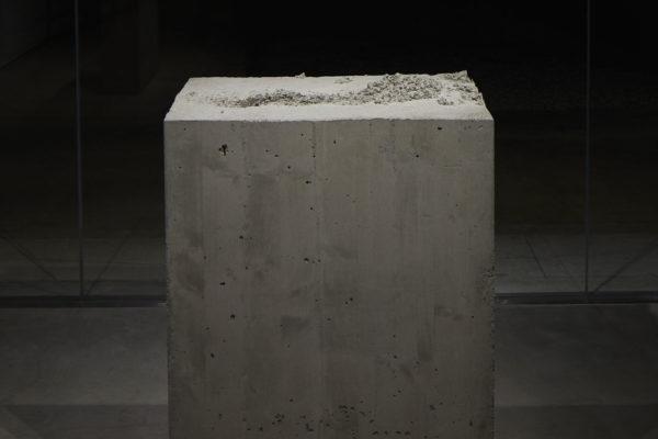Lara Favaretto, <em>Fisting</em>, 2012, Concrete, iron, 39 1/8 x 17 1/4 x 29 1/4 in (99.4 x 43.8 x 74 cm), Photo Courtesy Alex Blair © 2019