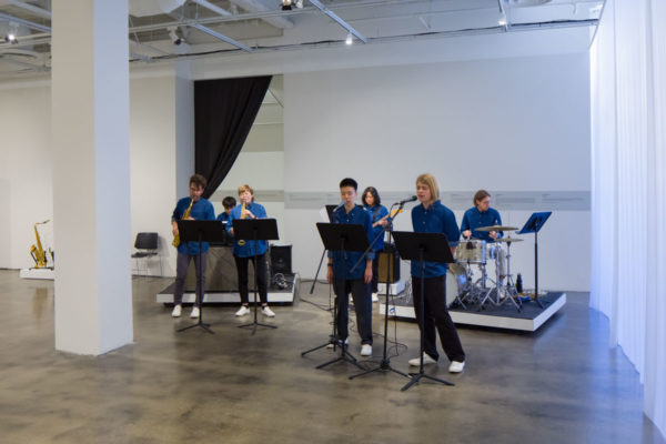 David Michael DiGregorio & Sung Hwan Kim, <em>Picidae</em>, 2014, Kunsthalle for Music, Museum of Contemporary Art Santa Barbara, 2019, Courtesy MCASB, Photo: Alex Blair.